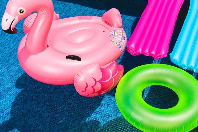 nafukovačky do bazénu